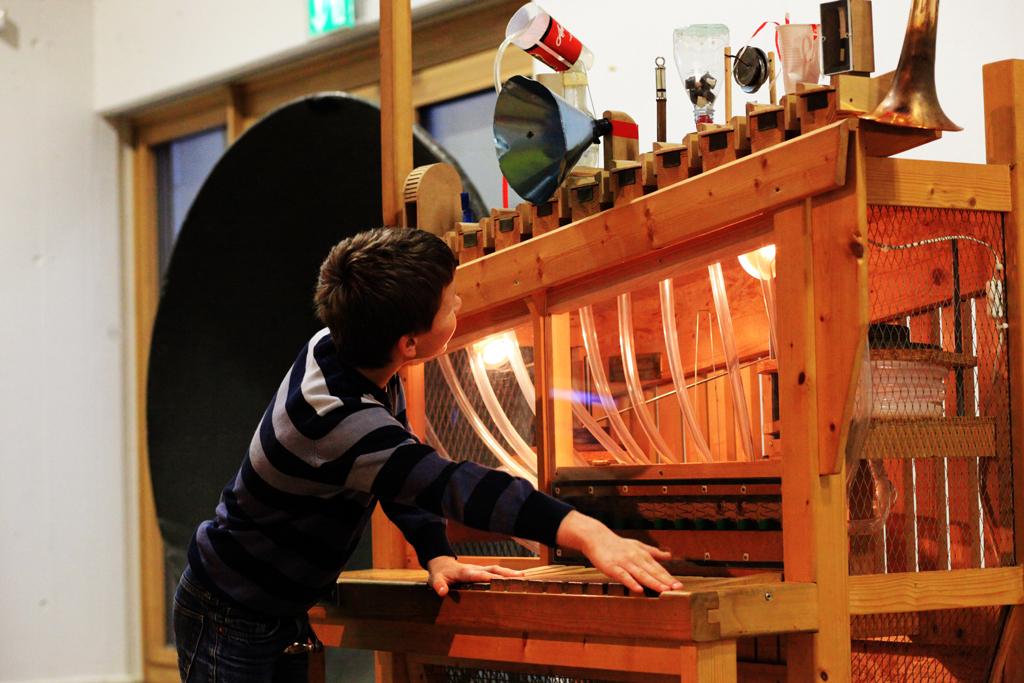 Akki, Geräusche-Orgel