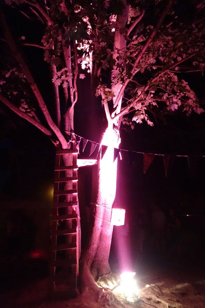Illuminiertes Düsseldörfchen bei der Kinderkinonacht