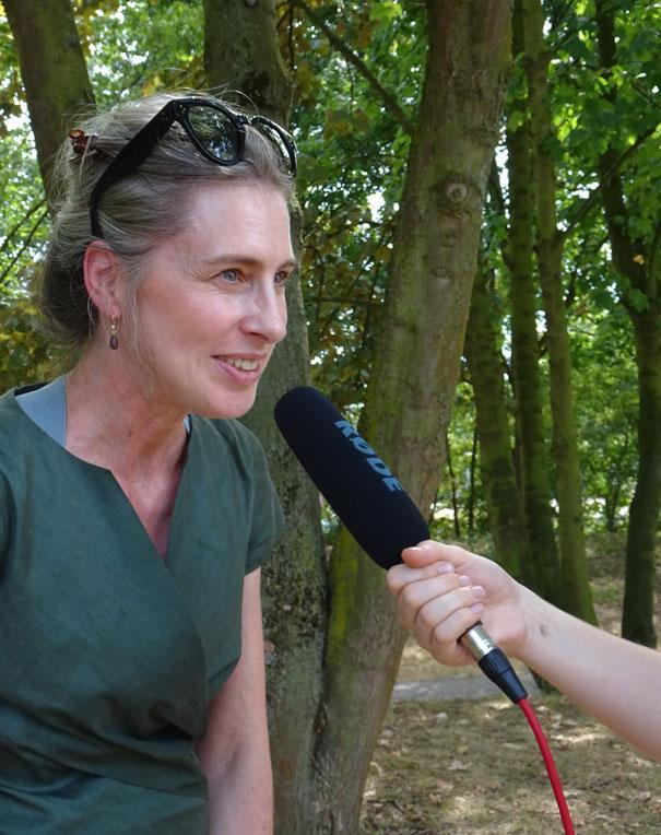 Vera Geisel, Schirmherrin des Kinderrechtejahres, zu Besuch in der Kinderstadt